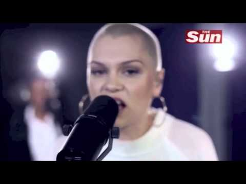Jessie J - Wild (Live Acoustic) (Biz Session)
