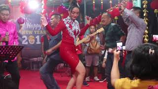 Video Imlek 2018 Zaskia Gotik - Bang Jono download MP3, 3GP, MP4, WEBM, AVI, FLV Maret 2018