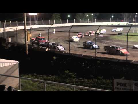 Fairbury American Legion Speedway 5.7.11 UMP Modified Feature