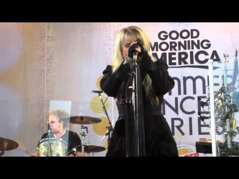 Stevie Nicks - Rhiannon rehearsal for GMA 8/26/2011
