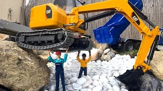 BRUDER Toys CAT Excavator river !