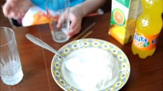 Рецепт коктейль из мороженого и апельсинового сока.