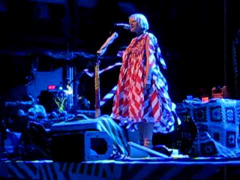 Sia - You Have Been Loved live at Terminal 5, NYC on 06.05.10 [16/19]