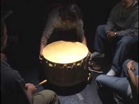 Tambor, Canto E Dança Indígena Do Canadá