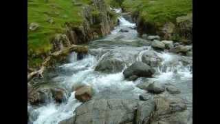 Видео обои водопад смотреть(Самые красивые водопады мира фото слайд-шоу., 2014-09-05T04:01:45.000Z)