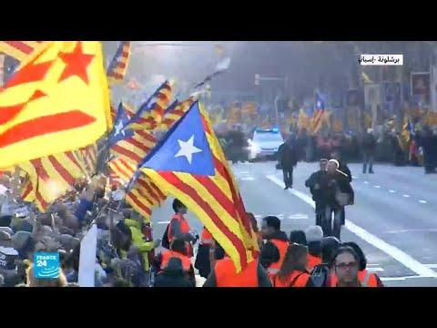 متظاهرون في برشلونة: -حق تقرير المصير ليس جريمة-  - 11:55-2019 / 2 / 18