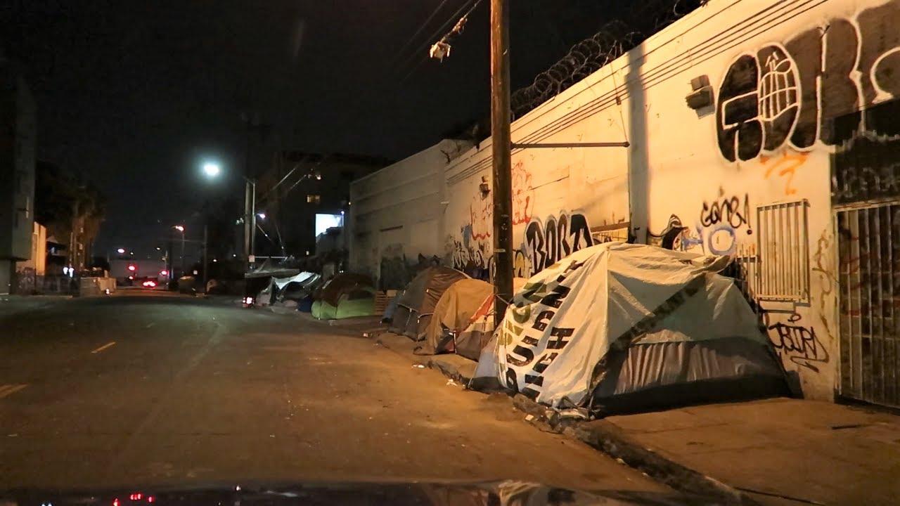 LOS ANGELES SKID ROW AT NIGHT