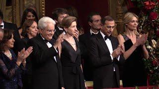 Prima della Scala a Milano: quattro minuti di applausi per il presidente Mattarella sul palco reale