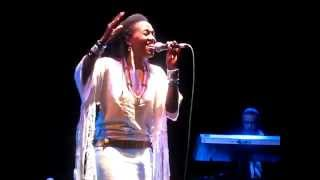 Dionne Farris - Remember My Name