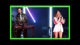 Bay-Buh! Zedd and Maren Morris Perform 'The Middle' at the Billboard Music Awards