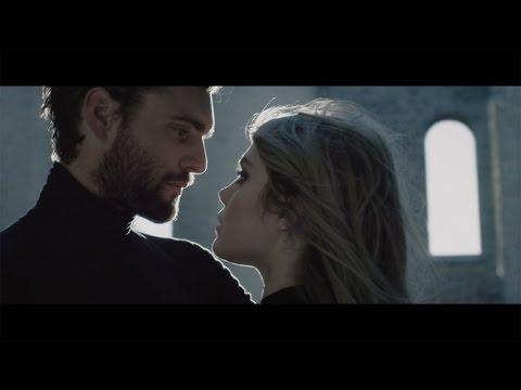 Cœur de pirate - Carry On [Vidéoclip officiel]