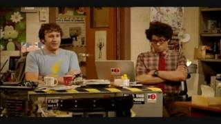 The IT Crowd - Moss and Roy Discuss Football