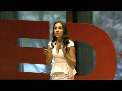 Beautiful Women: Ugly Reality | Isabel Buitrago-Franco | TEDxUQ