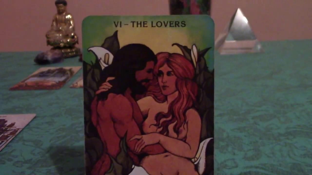 Aquarius September 2018 Love Tarot Reading: Is Fear of Intimacy Holding You Back, Aquarius?
