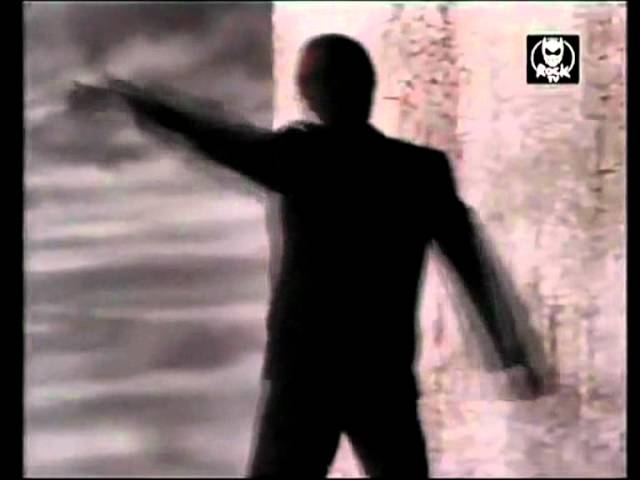 Iggy Pop - Living on the edge of the night