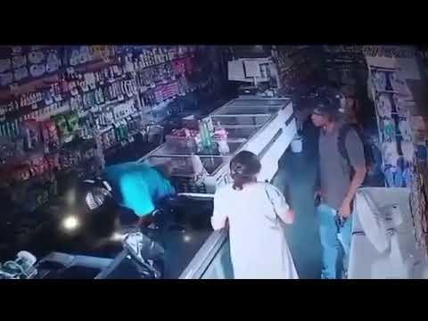 Assaltante beija testa de idosa durante roubo: 'não quero seu dinheiro'