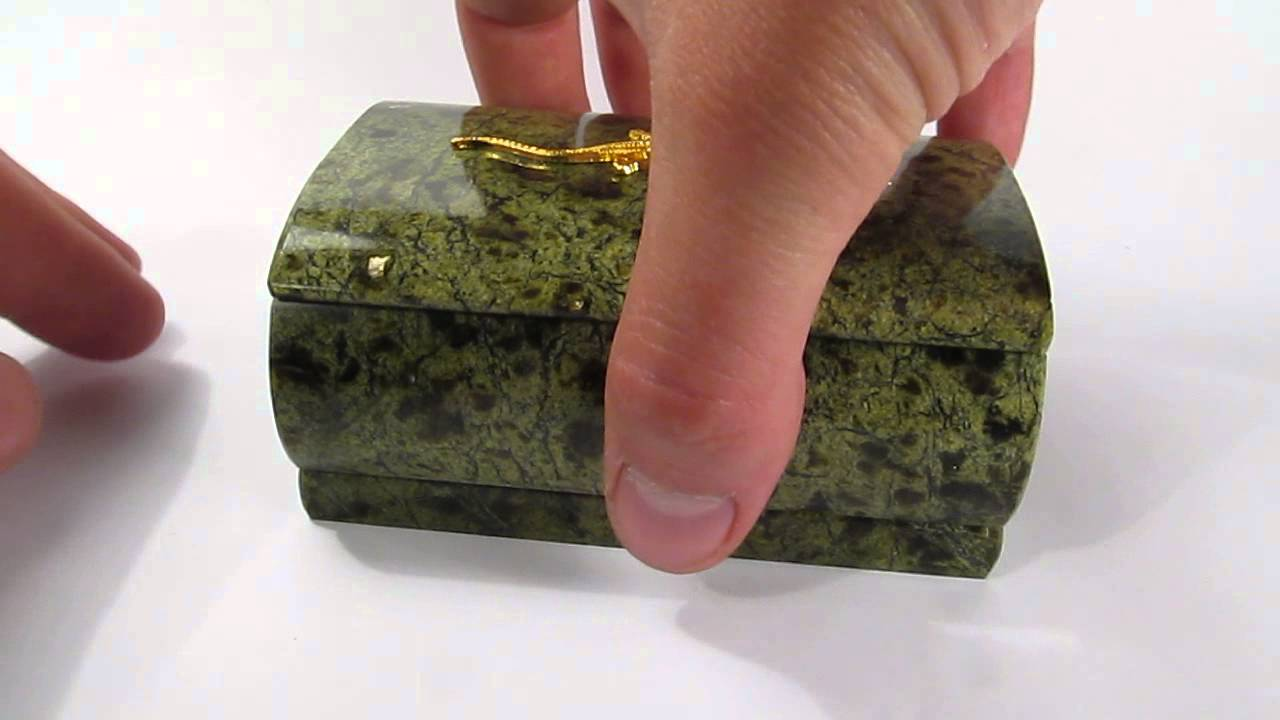 Genuine Serpentine Stone Jewelry Box With Lizard