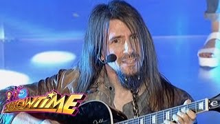 Ron Thal performs Sweet Child O