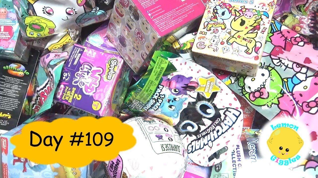 Squish Delish Blind Bags : Random Blind Bag Basket #109 - Pusheen, Squish dee Lish Squishy, Jungle in my Pocket RARE - YouTube