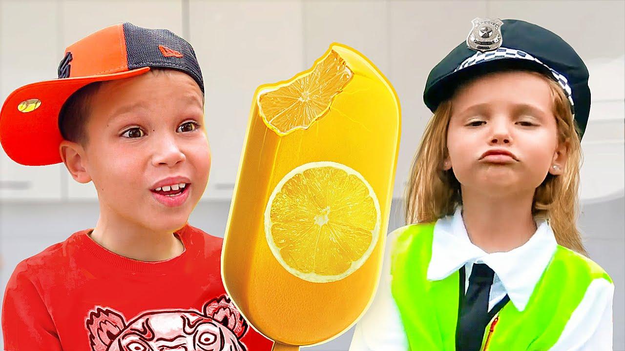 Макс и Катя играют в магазин мороженого