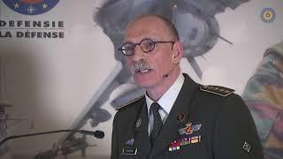 Chef Defensie opent nieuwe werkjaar - Le chef de la Défense présente l'année nouvelle