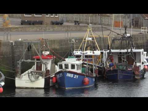 BURGHEAD HARBOUR - RUNRIG - DAY IN A BOAT