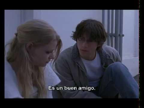 Rian Johnson's Brick scene with Spanish subtitles