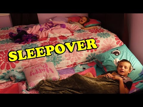 BEDROOM MAKEOVER & 1st SLEEPOVER in New Room Shopkins Happy Places Girls Bedroom & New Paint For Ava