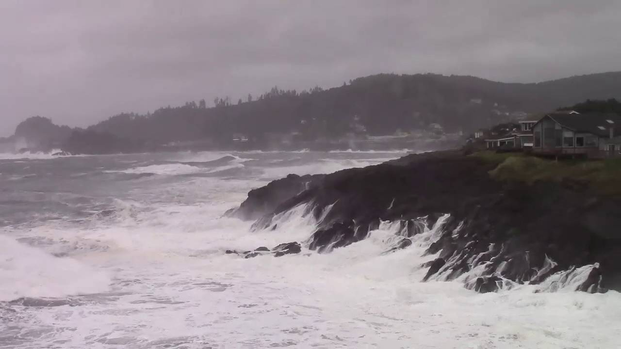 137 km/hr winds recorded in Oregon as typhoon remnant storm