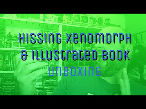 hissing-xenomorph-and-illustrated-book-unboxing