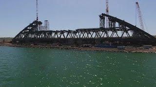 Понтоны для доставки арок Керченского моста изготовили на Севморзаводе