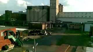 Вид на пивоваренный завод(Из поезда Московской монорельсовой системы., 2011-06-10T16:22:20.000Z)
