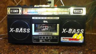 QFX J-21U    Am/Fm/ Sw    Radio Cassette player  1980