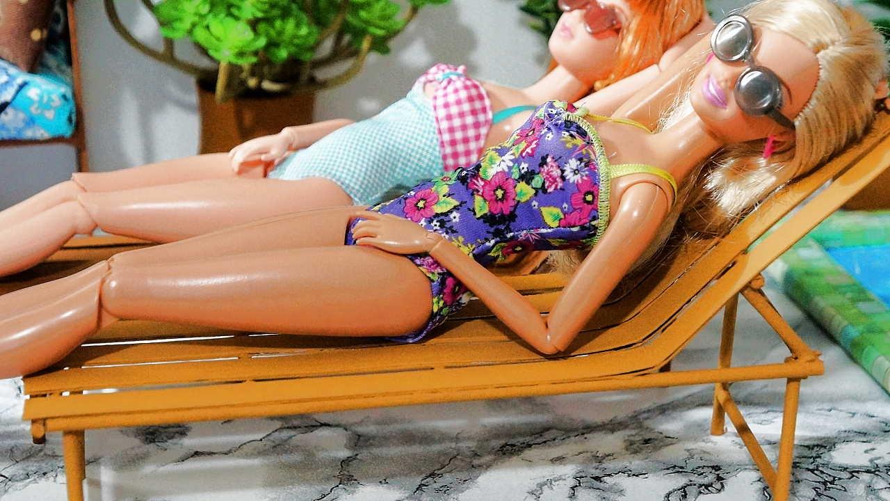 Como fazer uma espregui adeira cadeira de piscina para for A piscina da barbie