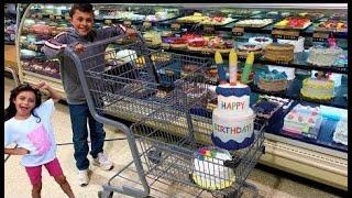 Heidi و Zidane تسوق لشراء كعكة وألعاب حفلة عيد ميلاد سعيد