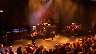 Manfred Mann's Earth Band - Blinded by the light 11-05-2019
