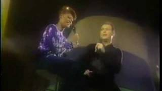 Dionne Warwick - Sailing (with Christopher Cross 1985)