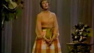 Julie Andrews - Medley The Sound of Music / My Fair Lady (1965)