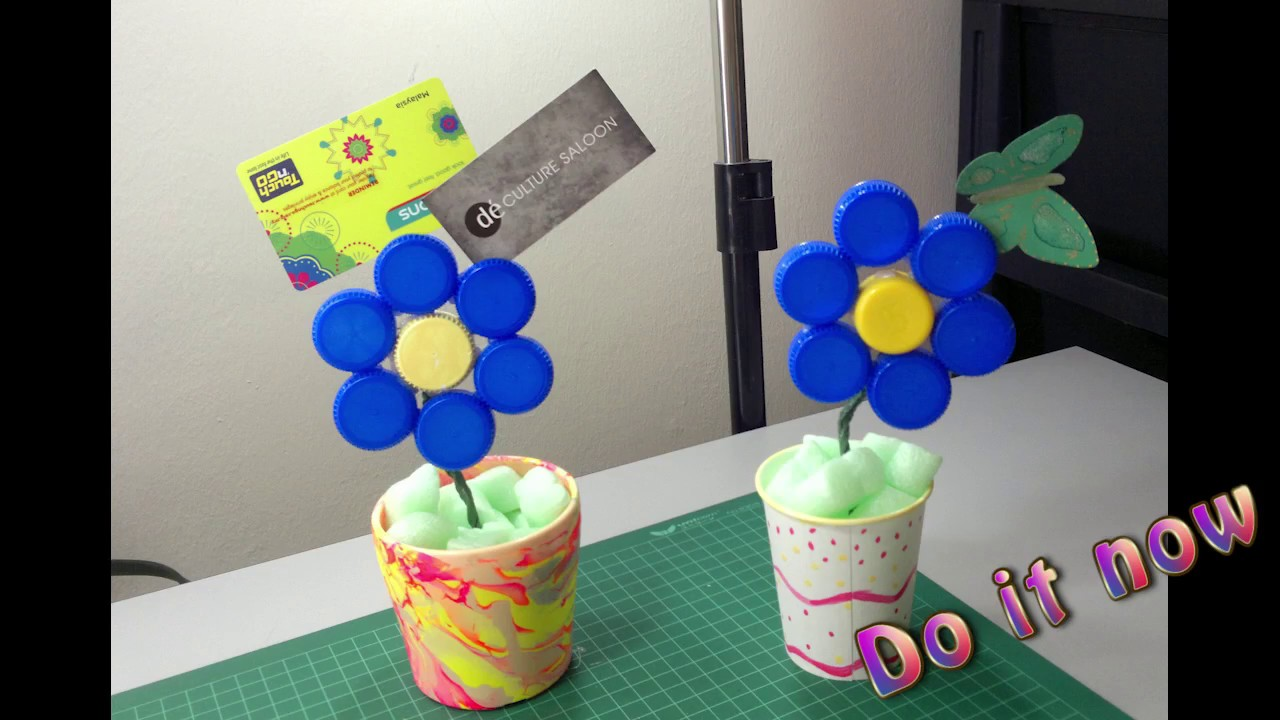 How to make flower out of bottle caps youtube for How to make bottle cap flowers