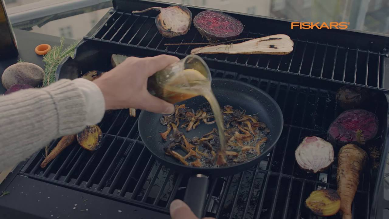 Fiskars Hard Face Commercial