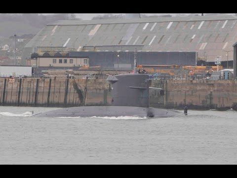 ROYAL NETHERLANDS NAVY SUBMARINE HNLMS BRUINVIS S810 LEAVES DEVONPORT NAVAL BASE - 13th March 2017