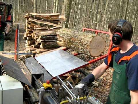 Holzspalten Extrem Im Wald Youtube