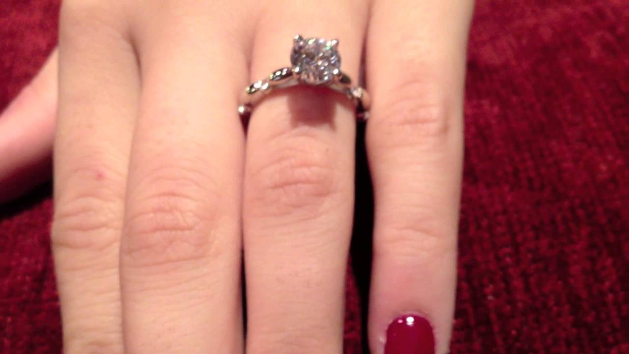 6113d43a6 Simple yet elegant solitaire ring, topped with AAA high quality 1.5 ...