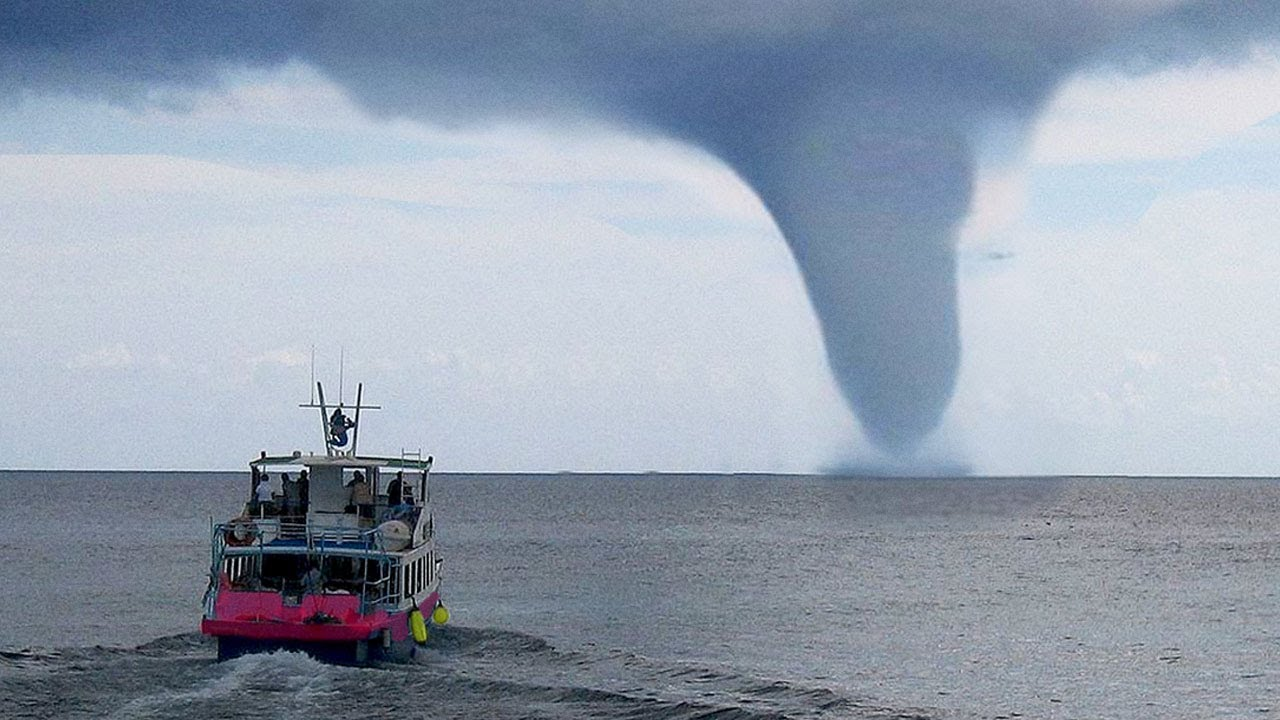 5 EXTREME Weather Events Caught On Camera