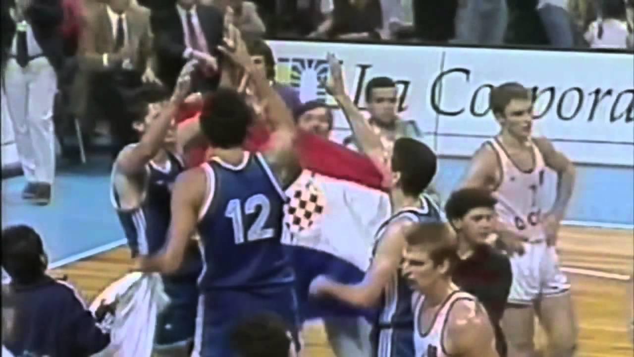 SACRAMENTO Hrvatski košarkaš Ivica Zubac sa osam koševa (šut 4-8), 13 skokova i jednom blokadom za 23 minute na parketu u svom je.