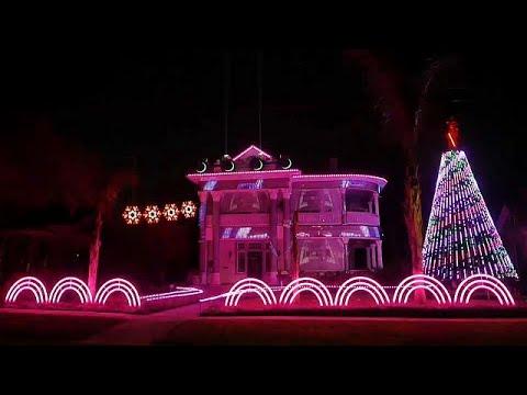 أعياد الميلاد بنكهة -حرب النجوم- على واجهة منزل  - نشر قبل 5 ساعة