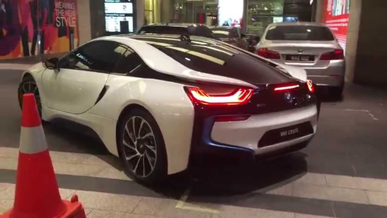 Bmw I8 Detailed Walkaround Startup Acceleration Youtube