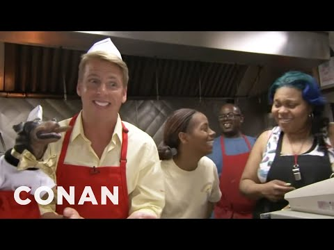 Jack McBrayer & Triumph Visit Chicagos Weiners Circle - CONAN on TBS