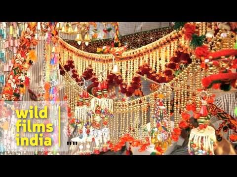 Decorative Items On Sale On The Eve Of Diwali Youtube