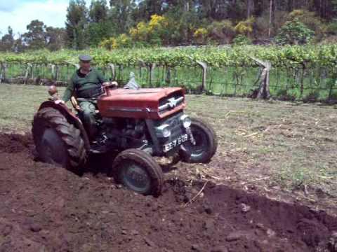 מגניב Tractor Massey Ferguson 135 - YouTube PV-42
